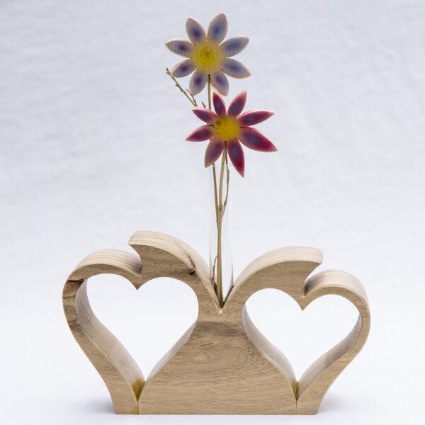 Vase mit zwei Herzen